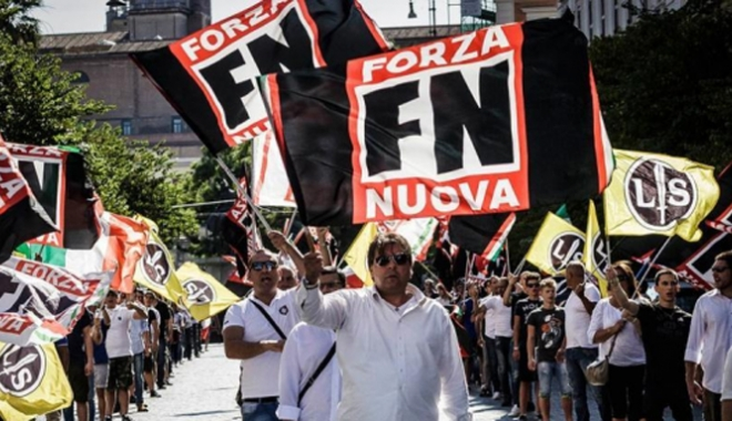 Foto: Italia: Circa 1.000 de neofasciști au mărșăluit la Roma