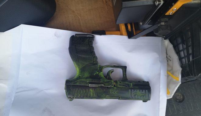 Jaf la Constanța! I-au furat mașina, după ce l-au amenințat cu un pistol și un cuțit - jaffoto1-1566549271.jpg