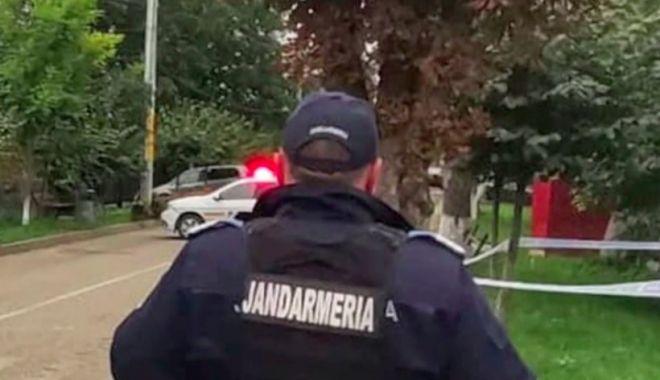 Pericol de explozie într-o secție de poliție din Neamț, după ce un bărbat a venit să predea un proiectil într-o sacoșă - jandarmeria-1632230408.jpg