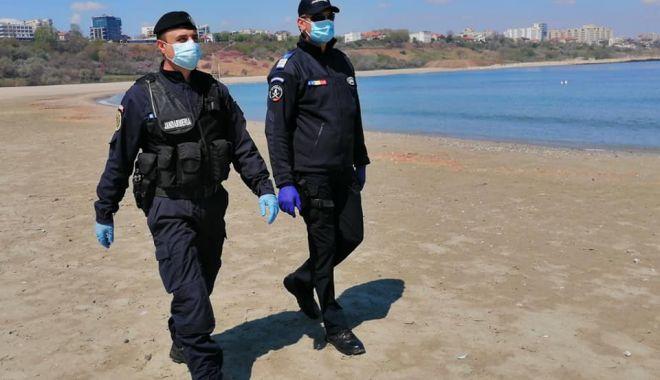 Foto: Comerțul ambulant de pe plajă, în atenția jandarmilor constănțeni