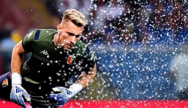 """Foto: Gazzetta dello Sport, la picioarele lui Ionuț Radu: """"Este aurul echipei Genoa, mai mult decât un pariu"""""""