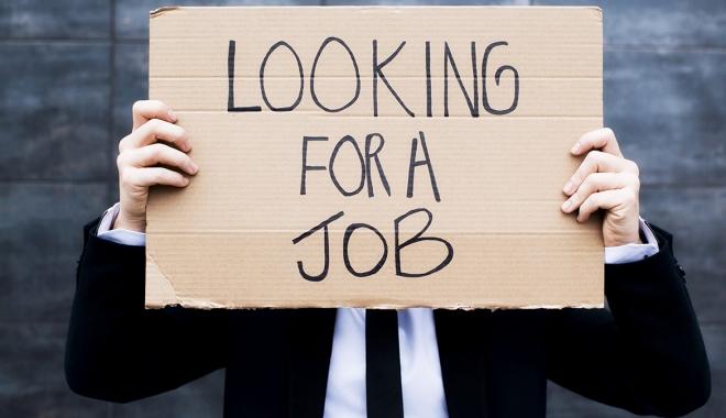 Foto: A crescut șomajul. Mai mulți bărbați decât femei au rămas fără job