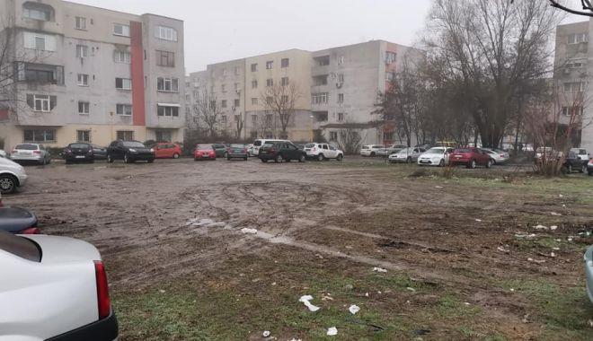 """Constănţenii cer soluţii concrete pentru criza locurilor de parcare: """"Trotuarele sunt pentru pietoni!"""" - jos-1613500417.jpg"""