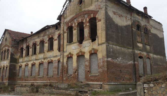 Restaurarea ansamblului Cotovu de la Hârşova avansează încet, dar sigur - jos-1615316316.jpg