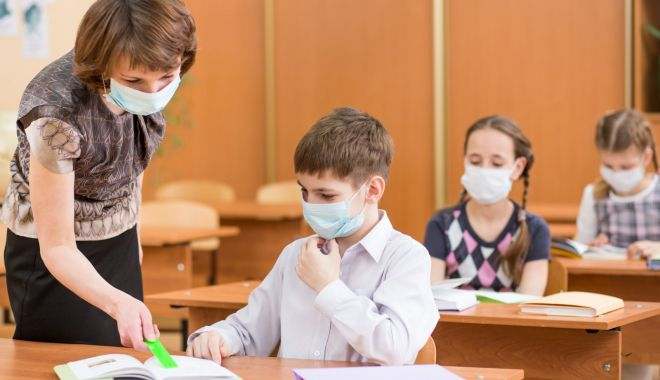"""Bulversare în rândul elevilor de clasa a V-a. Patru clase noi înființate în municipiul Constanța, în """"buza"""" anului școlar - jos-1631298317.jpg"""