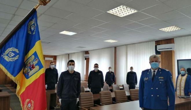 Foto: Elevii jandarmi, aflați în practică, au depus jurământul