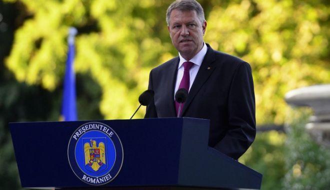 Klaus Iohannis, de Ziua Imnului: Să rămânem uniţi în jurul simbolurilor naţionale - klaus-1627543960.jpg