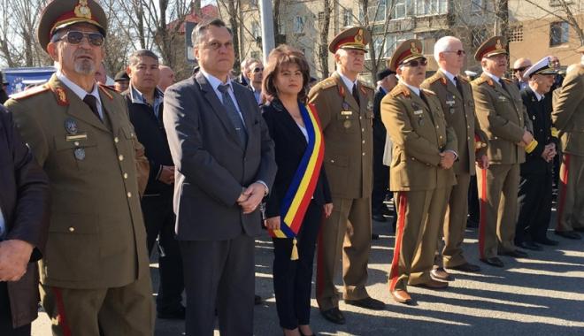 """Foto: Administrația locală din Mihail Kogălniceanu i-a cinstit pe eroii Regimentului 36 """"Vasile Lupu"""""""