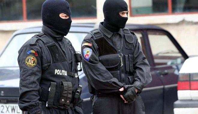 DIICOT: 5 persoane arestate preventiv, după ce au fost prinse în flagrant cu kile de droguri - lala1437637481145448452814581388-1574684633.jpg