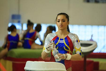 Foto: Gimnastică artistică: Românii, opt calificări în finale la Cupa Mondială de la Paris