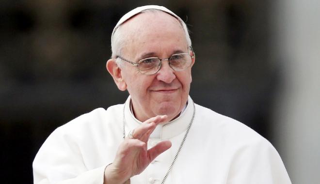 Foto: Atentat dejucat. Papa Francisc, la un pas de a fi asasinat