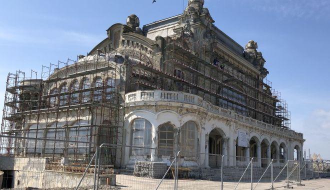 Foto: Legea achizițiilor ar putea fi schimbată, după opt ani de contestații pentru reabilitarea Cazinoului