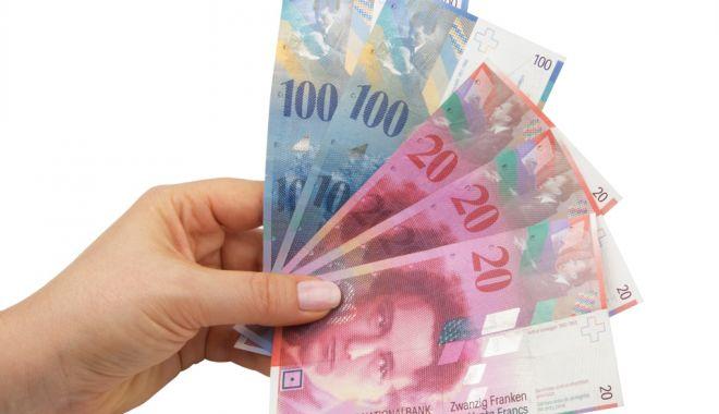 Francul e mai puternic cu 0,20% în confruntarea cu leul - leufrancelvetian-1603992830.jpg