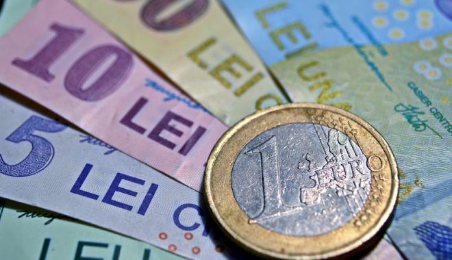 Leul e ciupit de toate valutele - leul-1524748985.jpg