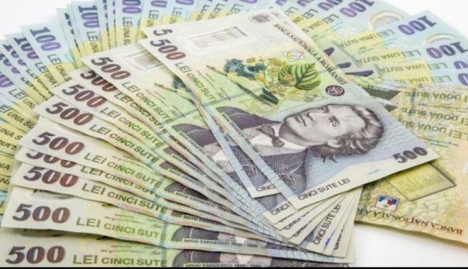 Foto: Zi neagră pentru leu; a pierdut toate confruntările valutare