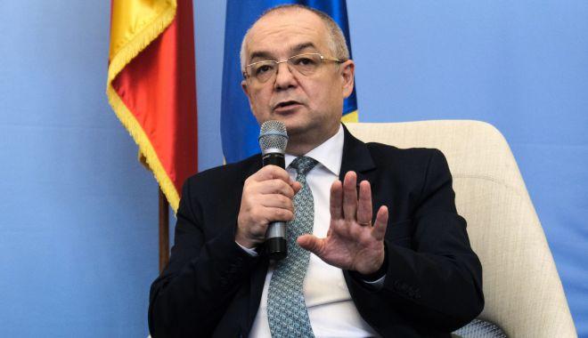 """Liberalul Emil Boc: """"Nu am și nici nu îmi doresc o funcție în PNL"""" - liberalul-1611079768.jpg"""