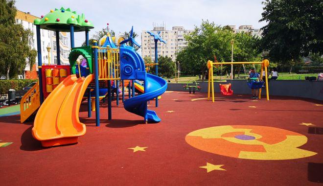 Loc de joacă modern, pe aleea Daliei, în Constanța - locdejoacaaleeadaliei-1589352857.jpg