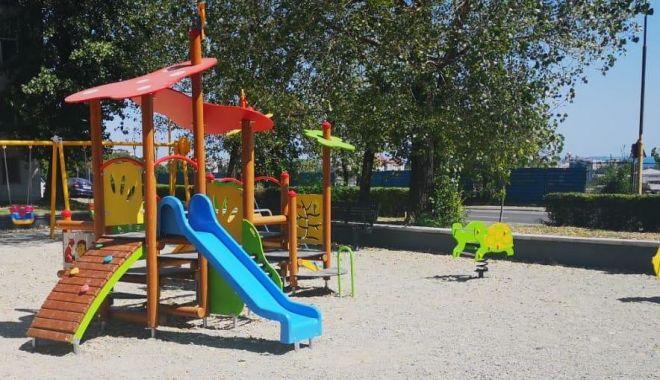 Administrația locală, implicată în reabilitarea locurilor de joacă  din Constanța - locuridejoacacta1-1569513048.jpg