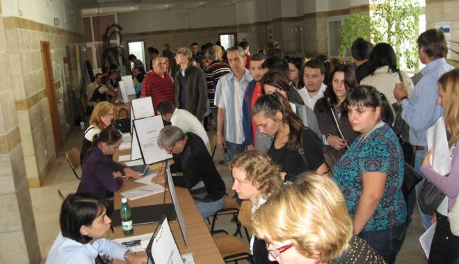 Bursa locurilor de muncă se desfășoară la Universitatea Maritimă - locurimunca2-1315477038.jpg