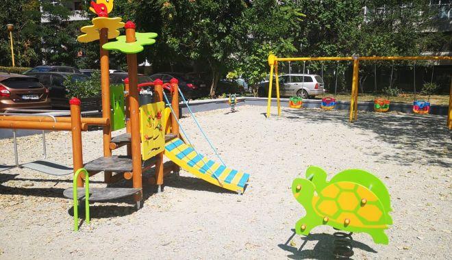 Noi locuri de joacă pe strada Adamclisi și pe strada Dionisie cel Mic - locurinoidejoaca-1573028704.jpg