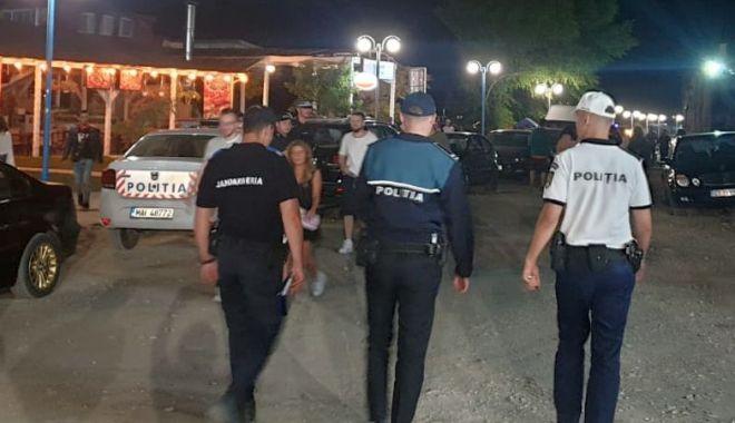 Foto: Ce restricții, ce distanțare socială?! A plouat cu amenzi la concertele din Mamaia și Năvodari