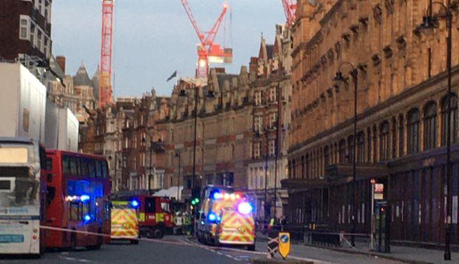 Foto: Panică la Londra! Substanțe toxice pe Brompton Road. Poliția - la fața locului