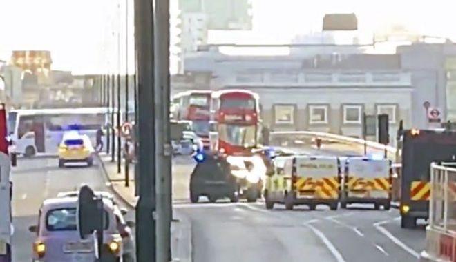 Foto: Panică la Londra. S-a închis London Bridge, poliția - intervenție în forță! GALERIE FOTO
