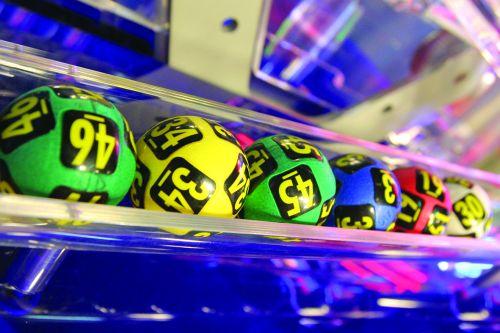 Foto: LOTO. Vezi aici câți bani poți câștigat astăzi la 6 din 49 și Joker