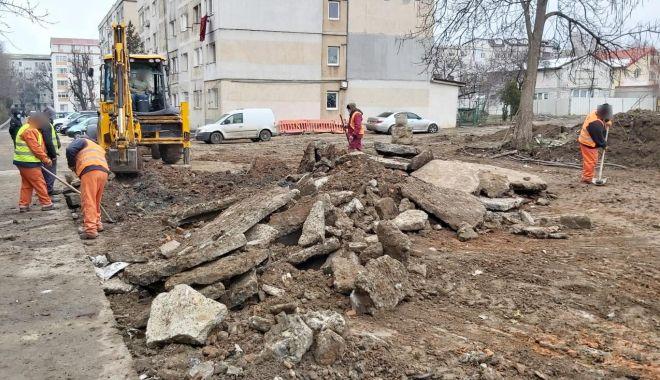 Lucrări de reabilitare a trotuarelor, în mai multe zone din Constanţa - lucrari-1613999933.jpg