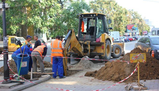 Foto: Atenție, șoferi! Trafic blocat pe strada Nicolae Iorga din Constanța. Se lucrează la conductele de apă