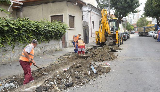Lucrări de reabilitare a trotuarelor din Constanța. Unde se lucrează săptămâna aceasta - lucraridereabilitare-1566203870.jpg
