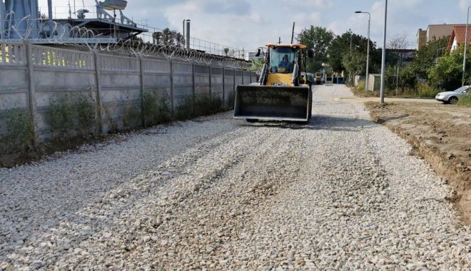 Lucrări de reabilitare a trotuarelor, pe bulevardul Mamaia - lucraridereabilitare-1601394987.jpg