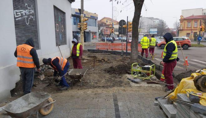 Lucrări de modernizare a trotuarelor - lucrarile-1580243296.jpg