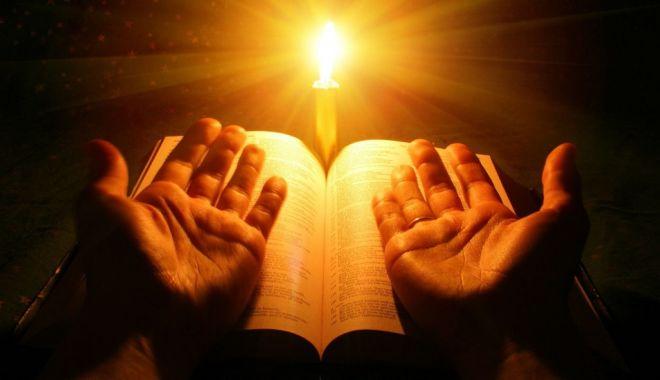 Sfânta Lumină, adusă de la Ierusalim - luminasfantadelaierusalimminunea-1619849962.jpg