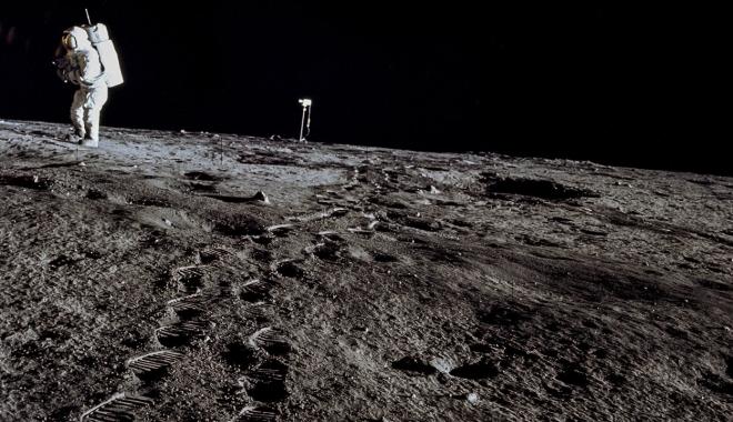 Astronauții americani ar putea ajunge din nou pe Lună și chiar pe Marte - luna-1513012140.jpg
