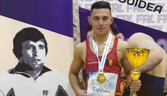 Luptătorul Răzvan Arnăut, de la CS Farul, o speranţă la medalie olimpică - luptator2-1600010910.jpg