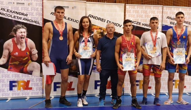 Foto: Salbă impresionantă de medalii pentru luptătorii constănțeni, la Campionatele Naționale
