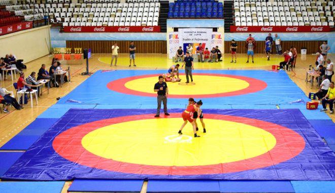 Luptătorii îşi dau întâlnire, în weekend, la Naţionalele de la Constanţa - luptatorii-1606142443.jpg