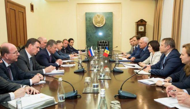 Foto: Maia Sandu promite relații reciproc avantajoase atât cu UE, cât și cu Rusia