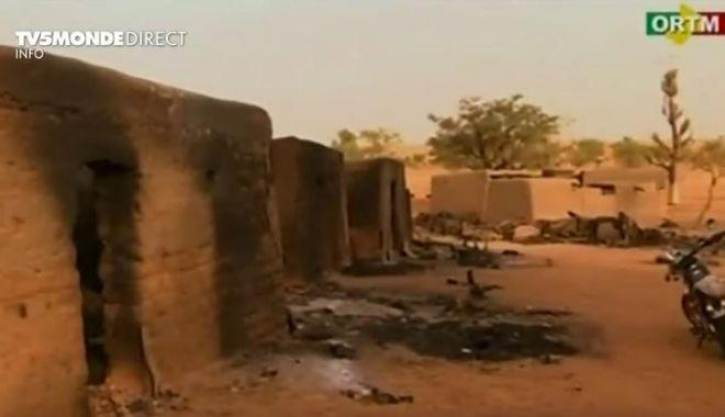 Foto: Atac sângeros asupra unei baze a armatei din Mali: Cel puțin 54 de morți