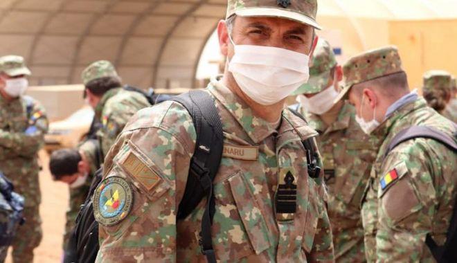 """Foto: Militari români din Detașamentul """"Carpathian Pumas"""" au descins în Mali"""