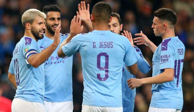 """Foto: """"Cetățenii"""" au învins """"Sfinții"""". Manchester City, recital în Cupa Ligii Angliei"""