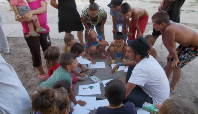 Activități artistice și educative pentru copiii nevoiași - mangalia3-1440065136.jpg