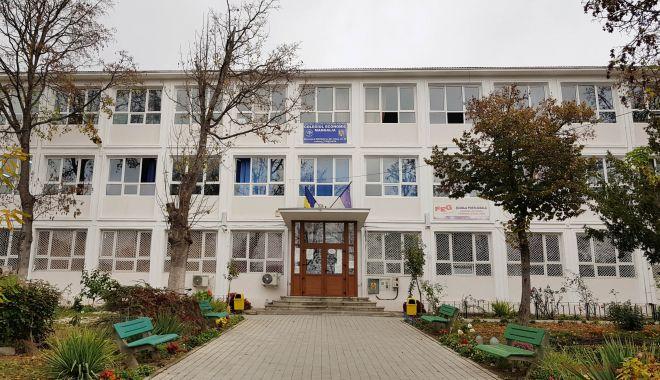 Primăria cumpără lămpi UV pentru unitățile de învățământ din Mangalia - mangaliacolegiuleconomicmangalia-1599846174.jpg