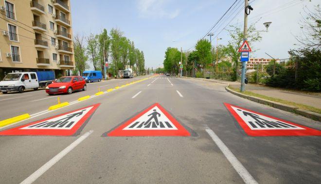 Se lucrează intens! Au fost refăcute marcajele rutiere de pe mai multe străzi - marcajepietonale-1589551536.jpg