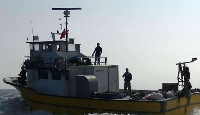 Foto: Marea Neagră. Ce spun polițiștii de frontieră despre pescadorul turcesc care le-a scăpat din urmărire