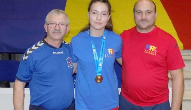 Foto: Constănțeanca Maria Roșioru, campioană balcanică la lupte