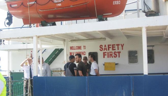 Marinarii nu trebuie  să semneze contractele de muncă fără clauza de abandon - marinarii-1483977817.jpg