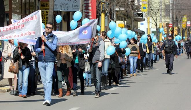 Foto: Cum a fost marcată, la Constanța,  Ziua internațională a autismului