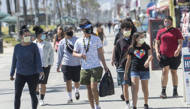 OMS: Sperăm să terminăm această pandemie în mai puțin de 2 ani - masca2-1598097209.jpg